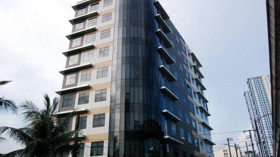 Madison 101 Hotel + Tower