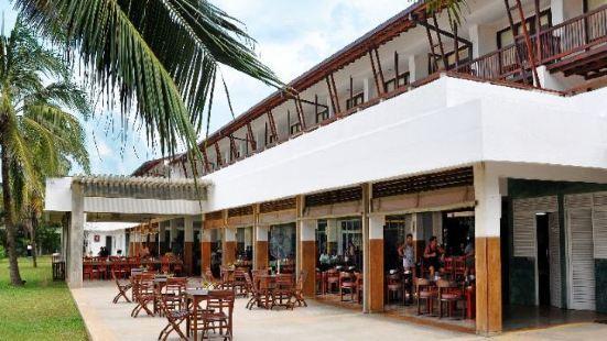 黃金沙灘酒店