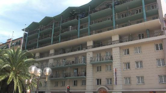 尼斯衞城阿德吉奧公寓式酒店