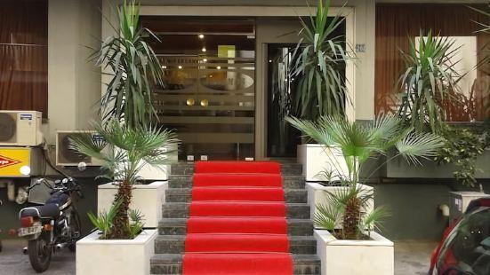 普里阿莫斯酒店