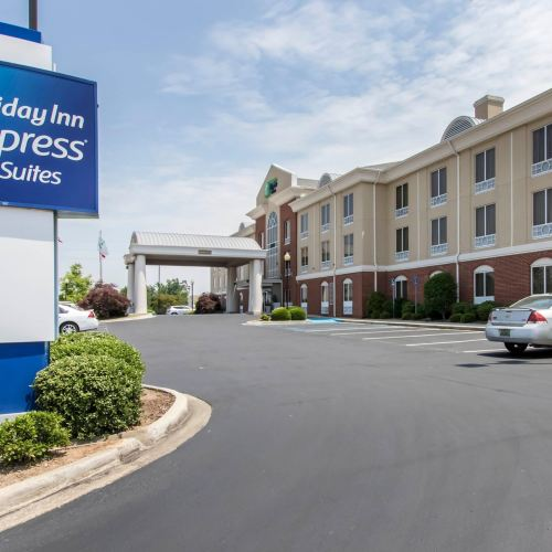 Holiday Inn Express & Suites Cullman
