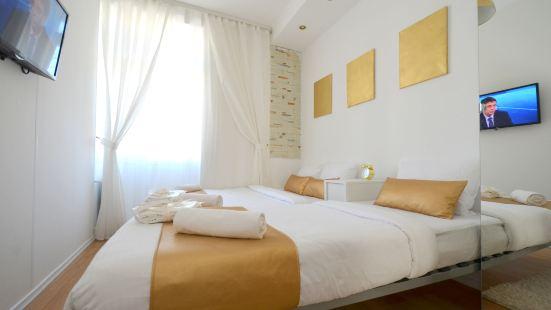 Gold Inn
