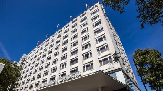 Thistle Kensington Gardens Hotel London