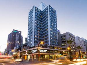 海濱之塔酒店(Strand Tower Hotel)