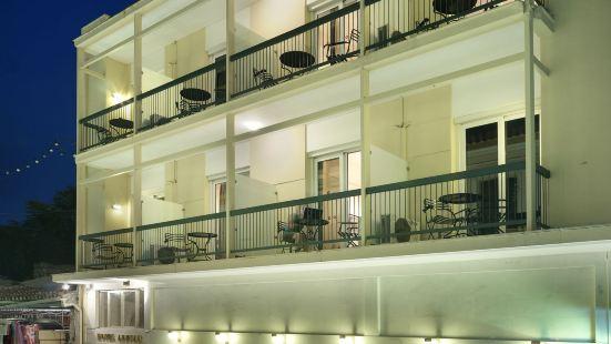 阿德里安酒店
