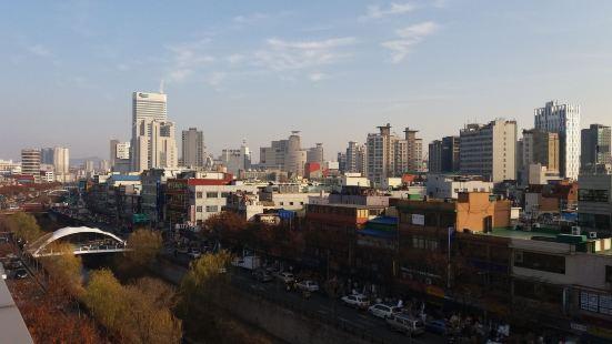 Cheonggye Haus