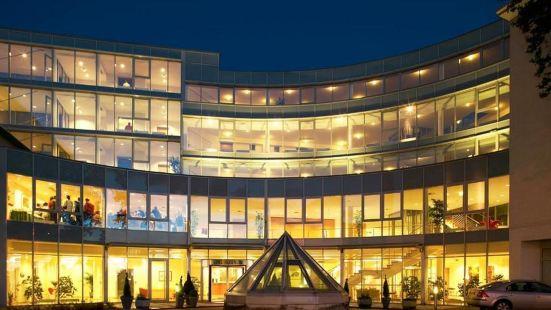 阿瑪德斯哈芬拉特酒店