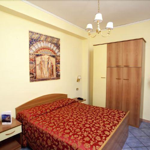 皮克洛索尼諾酒店