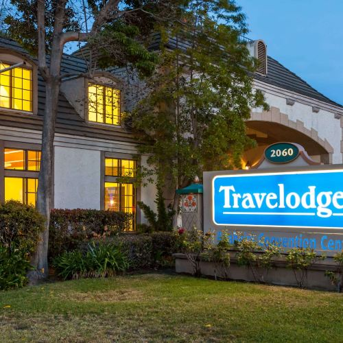 Travelodge by Wyndham Anaheim Convention Center