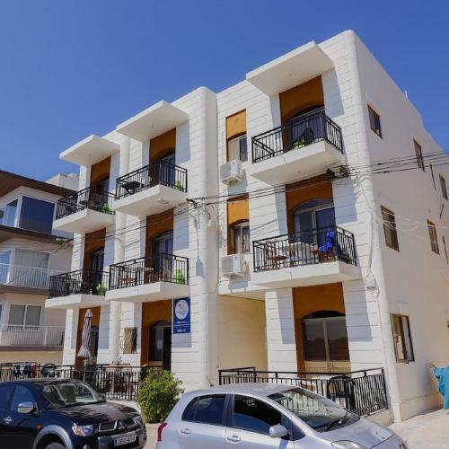 Dolman Complex Apartments