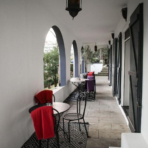 石灰樹屋酒店