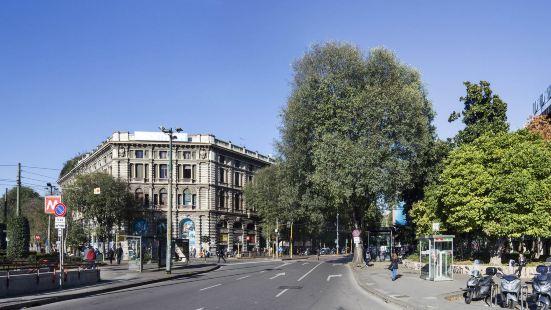 Unahotels Cusani Milano