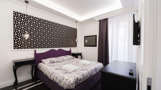 Aurora Luxury Suites