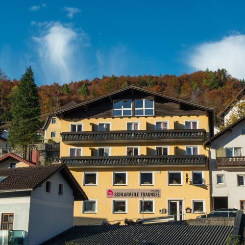 施拉夫邁勒特勞恩旅館