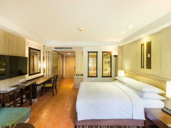 普吉岛万豪美林海滩度假村(phuket marriott resort &