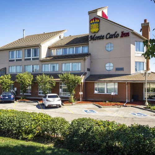 Monte Carlo Inn & Suites Oakville