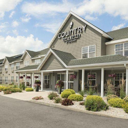Country Inn & Suites by Radisson, Decorah, IA