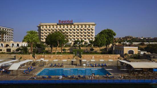 艾博特爾盧克索酒店