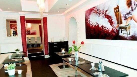 Royal Art Café