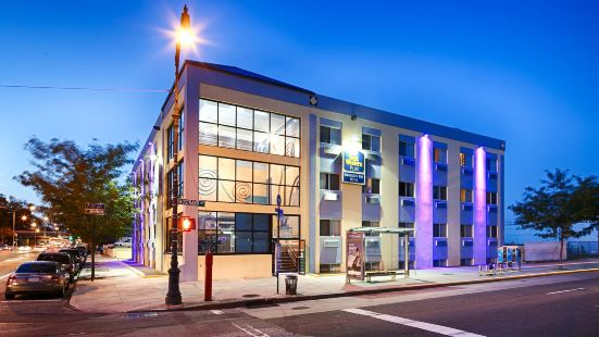 Best Western Plus Brooklyn Bay Hotel