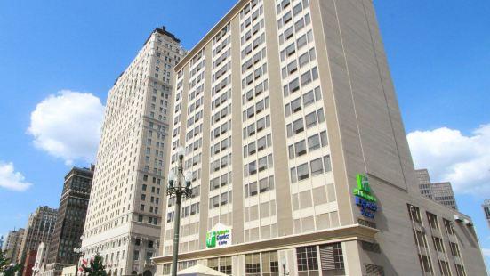 底特律市中心智選假日套房酒店