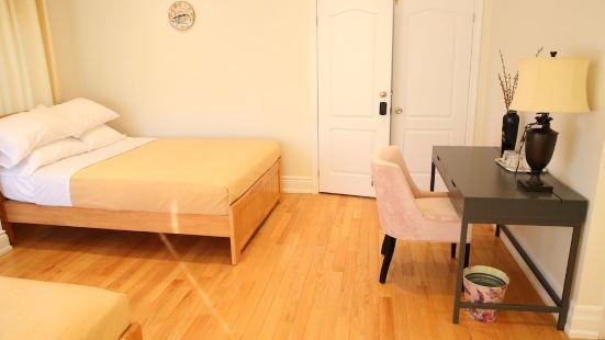 Elegant Suite at 700 Bathurst