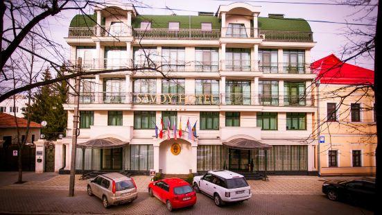 薩沃伊酒店