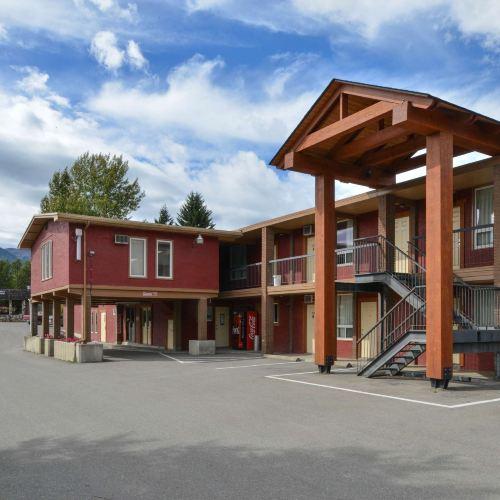 Canadas Best Value Inn and Suites Fernie