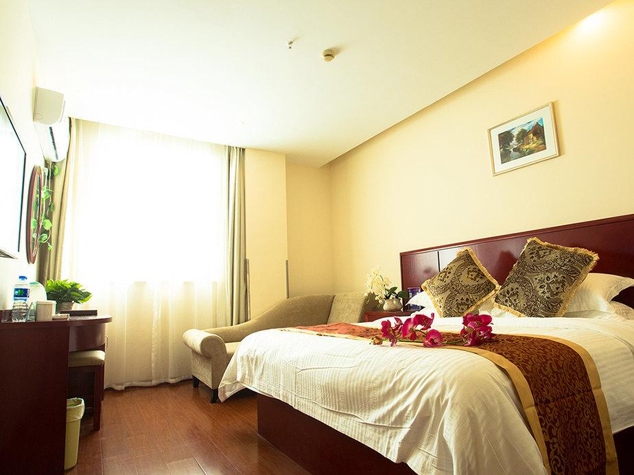 背景墙 房间 家居 酒店 设计 卧室 卧室装修 现代 装修 924_693