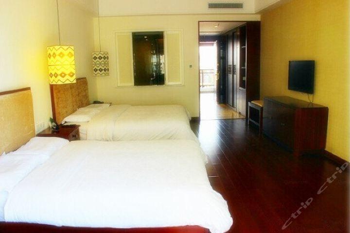 三亚湾新疆大厦度假酒店-豪华家庭房(畅游海南)