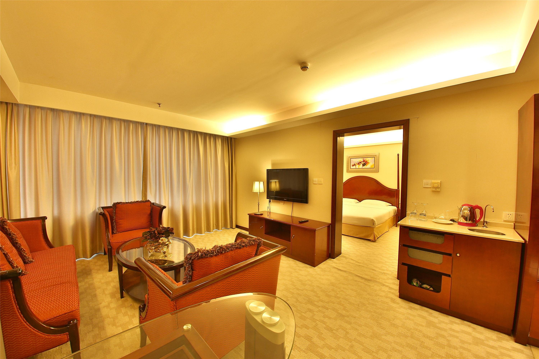 海明威国际商务酒店-家庭套房