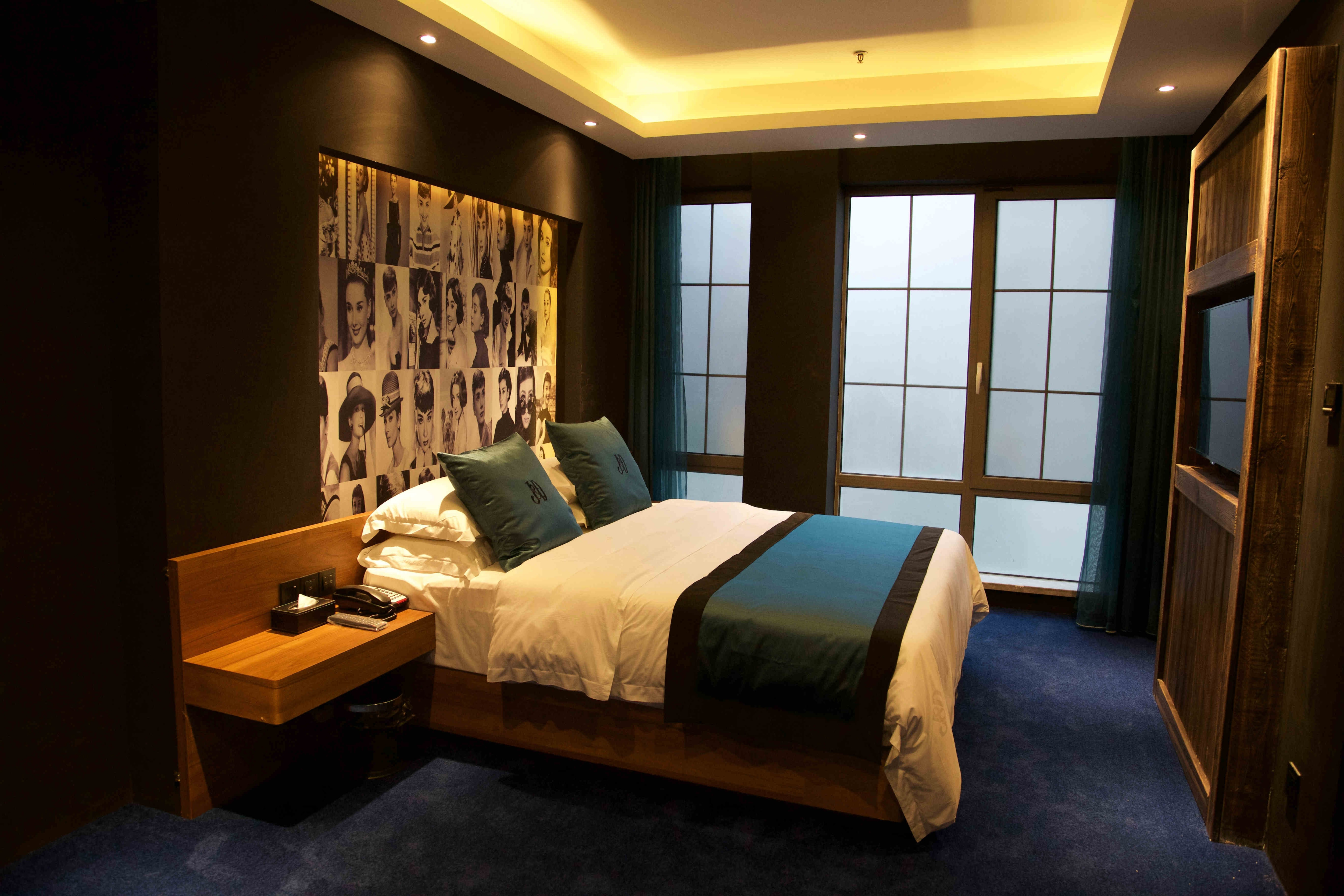 青岛杰克·丹尼酒店-高级大床房