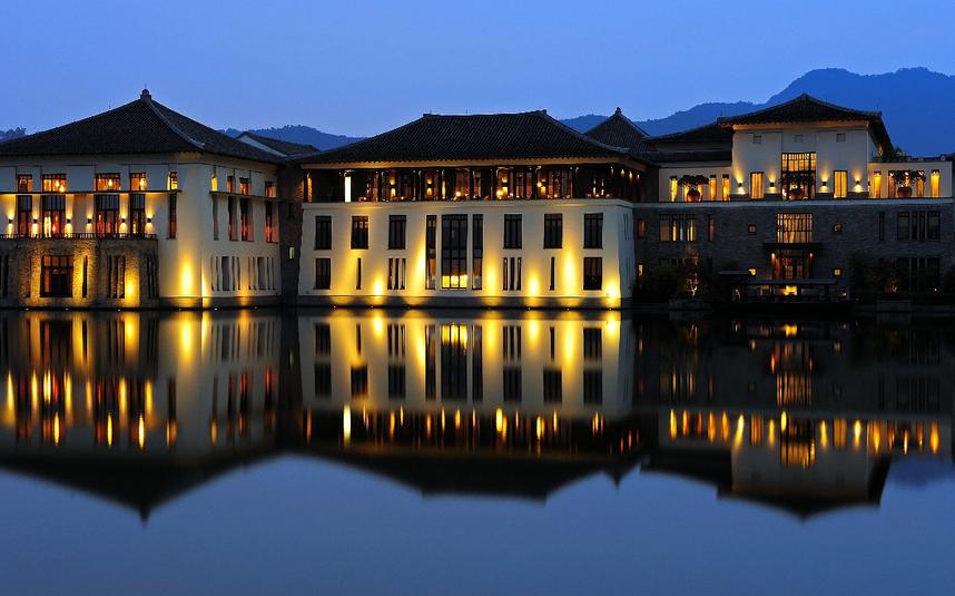 【年夜飯·一起嗨出年味來】杭州富陽富春山居別墅年夜飯3天2晚·湖廊