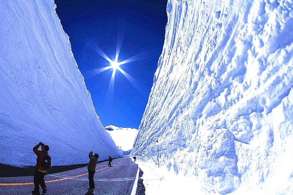 自然奇景-雪墙