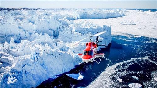 直升机俯瞰格陵兰冰川