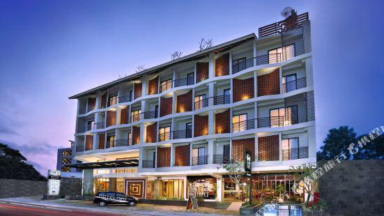 Liberta Seminyak Hotel
