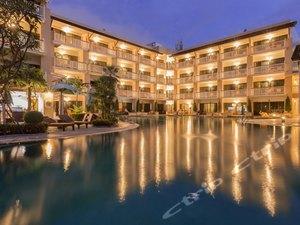 Thara Patong Beach Resort & Spa(塔拉芭東海灘溫泉度假酒店)