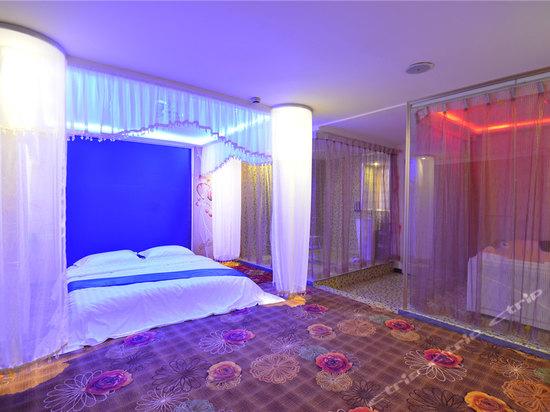 背景墙 房间 家居 酒店 起居室 设计 卧室 卧室装修 现代 装修 550