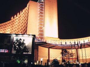 建水临安酒店1晚+可加购多时段建水小火车门票・【带亚热带风情后花园的人气精品酒店】