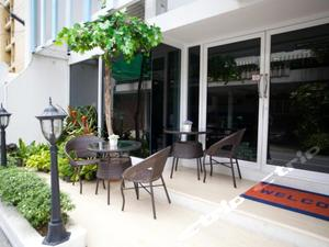 Nantra Ploenchit Hotel Bangkok (曼谷南特拉隆齊酒店)