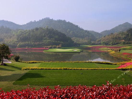 安吉龙王溪高尔夫度假酒店