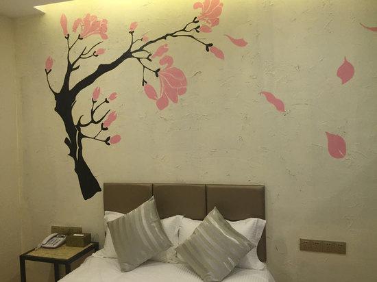爱尊客酒店(青岛遇青城台东啤酒街店)(原遇.青城时尚酒店)
