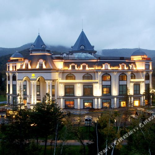 Baoyu Longhua (Tianmu) Hot Spring Villa