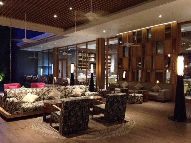 普吉岛芭东海滩智选假日酒店(holiday inn express phuket patong