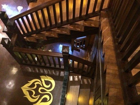 楼梯情侣手绘图