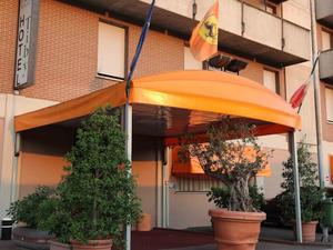奇碧酒店(Tiby Hotel)