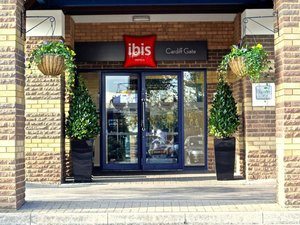 加的夫門 - 國際商業園宜必思酒店(ibis Cardiff Gate - International Business Park)