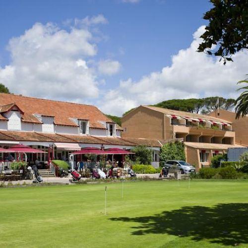 瓦勒斯科納佳地高爾夫酒店