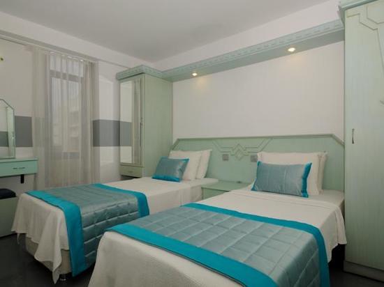 blue raybans  blue palace apart hotel