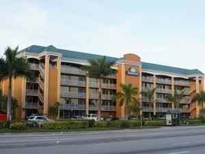 勞德代爾堡北奧克蘭公園機場戴斯酒店(Days Inn Fort Lauderdale-Oakland Park Airport North)